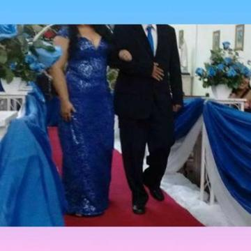 Vestido longo de festa renda azul Royal