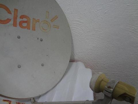 Antena banda Ku 60 cm com Lnb simples
