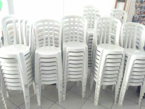 Mesas e cadeiras Goiânia usadas parcelo no cartão