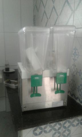 Máquina de suco usada