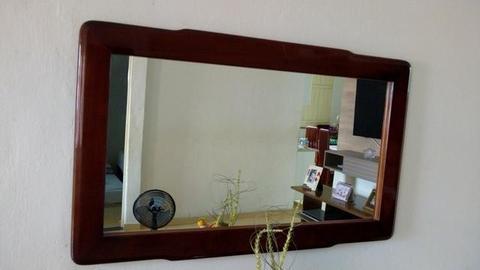 Mesa c 6 cadeiras, buffet e espelho