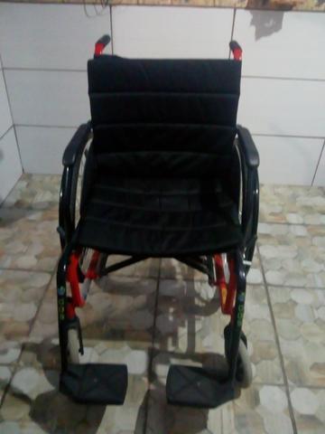Cadeira de Rodas e Bengalas