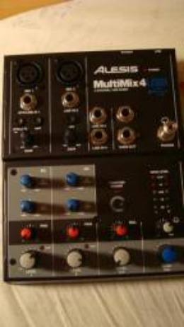Mesa/mixer Alesis Multimix 4 USB (pouquíssimo uso, excelente estado!)