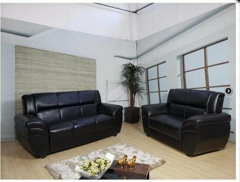 Sofa 2x3 lugares em courino .novidade .21 99052 7925
