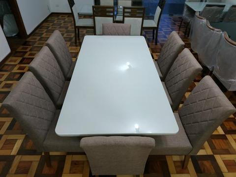 Mesa + 8 cadeiras (Novo, sem uso) 40% abaixo das lojas convencionais