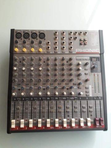 Mesa de som Phonic AM4420 com efeitos