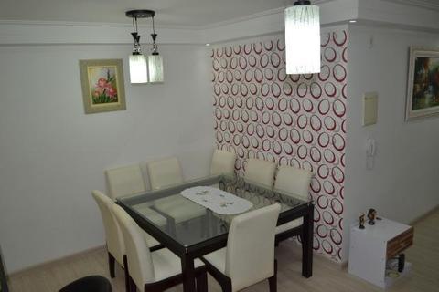 Mesa de Jantar c/ 8 cadeiras 135x135