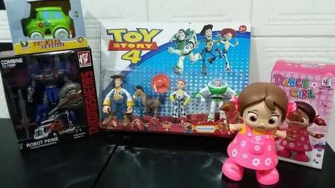 Lote de brinquedos (tudo por 200 reais)