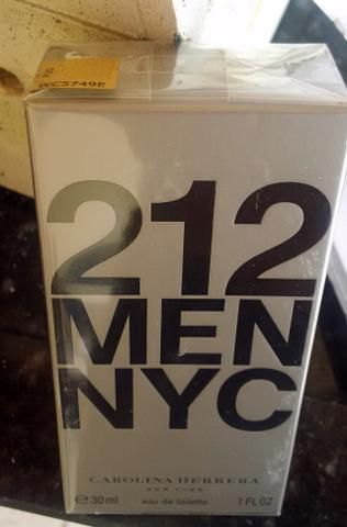 Perfume 212 MEN edt Masculino 30 ML