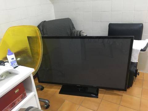Tv Sansung Led 50 polegadas com aparelho conversor para internet