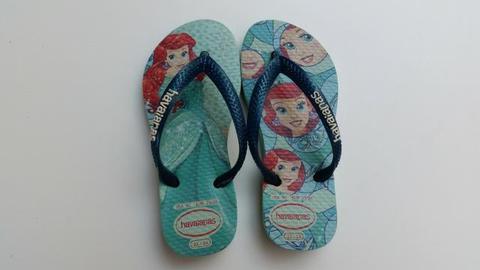 Chinelo Havaianas Infantil Princesa Ariel tamanho 23 / 24