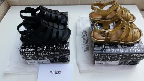 Duas Mini Melissa flox preta e dourada glitter tamanho 22