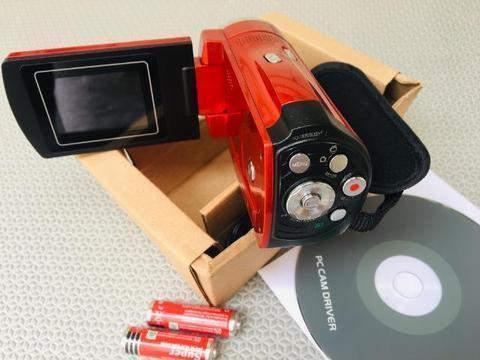 Filmadora e máquina de fotos nova, completa com cabo, manual e Dvd