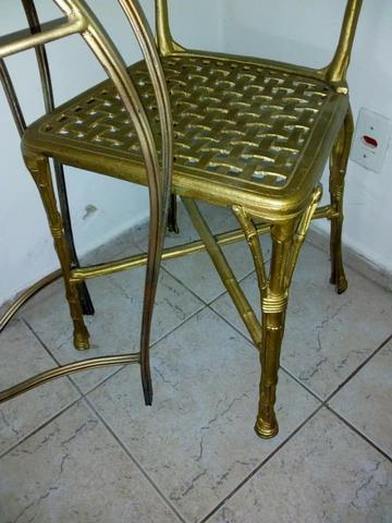 Lindo aparador com espelho e 2 cadeira em ferro fundido lindo para sala por 550