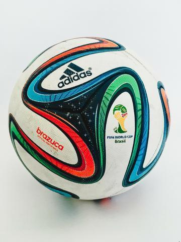 Bola Adidas Brazuca da Copa 2014 Official Match Ball